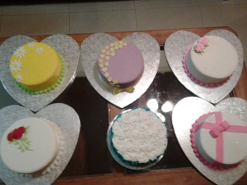 Mothers Day Cakes by Rosa