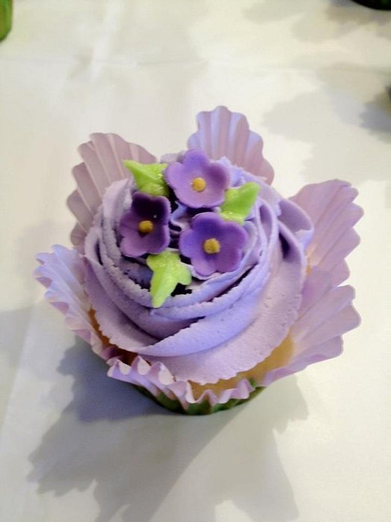 Flower Cupcakes by Dawn Henderson