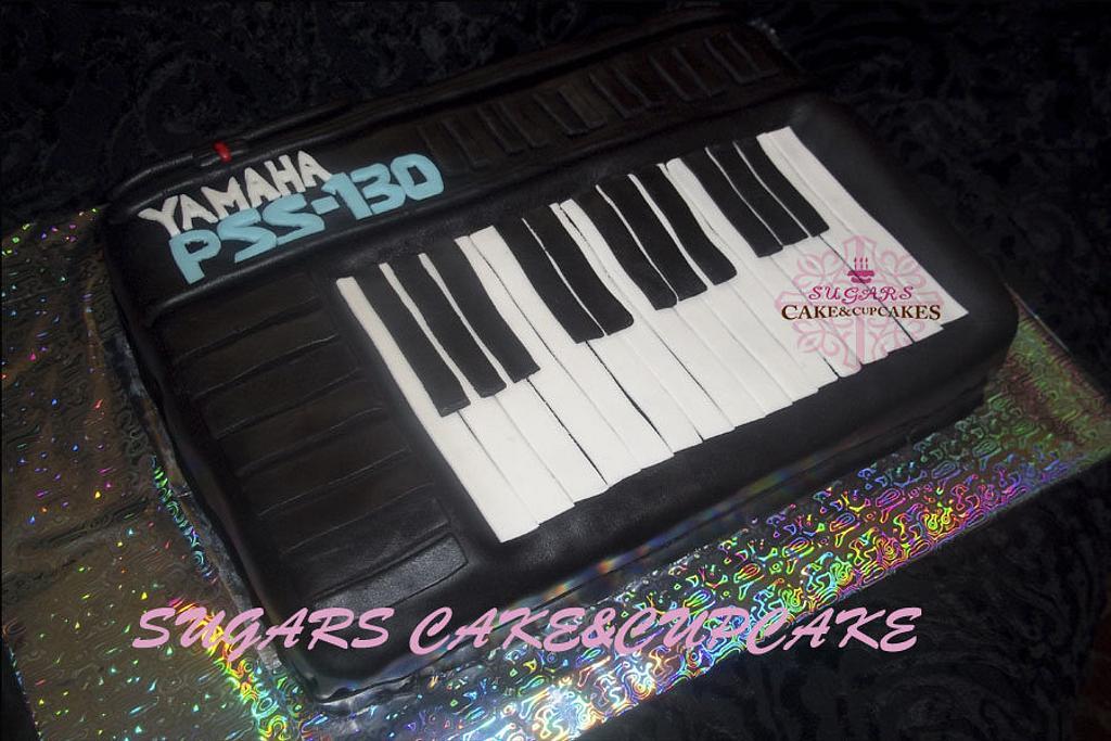 musical keyboard cake by SUGARScakecupcakes