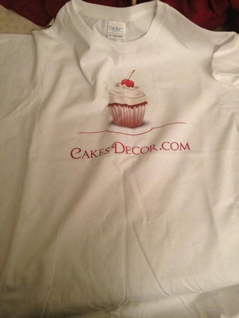 my cakes decor shirt by kangaroocakegirl