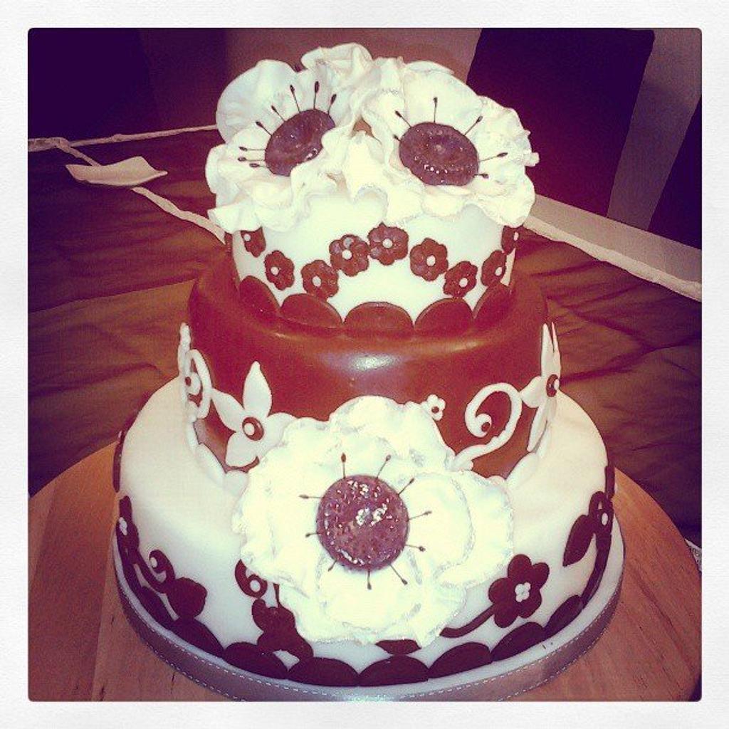 B-Cake by Valeria Antipatico