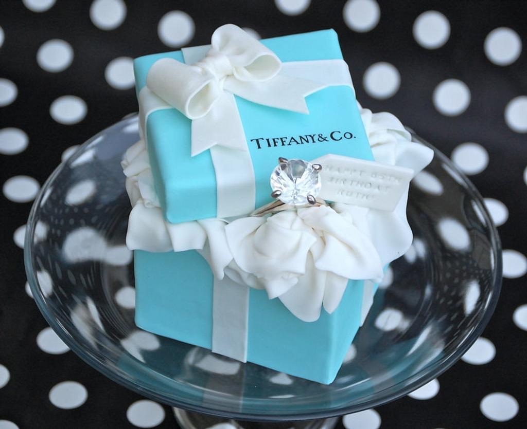 Tiffany Box Cakelet by Lesley Wright