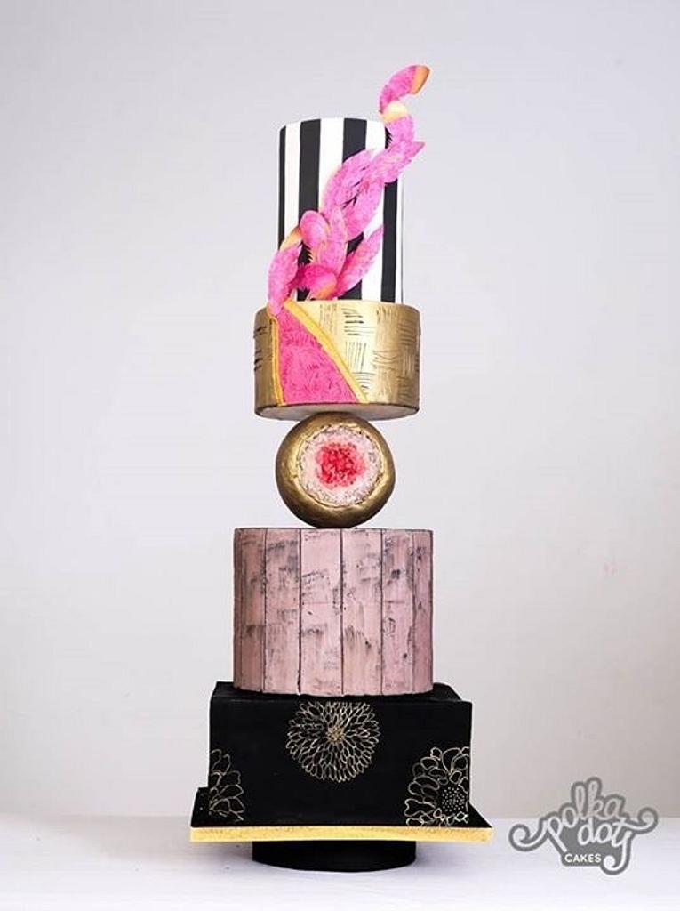 Modern wedding cake by thecakedecor