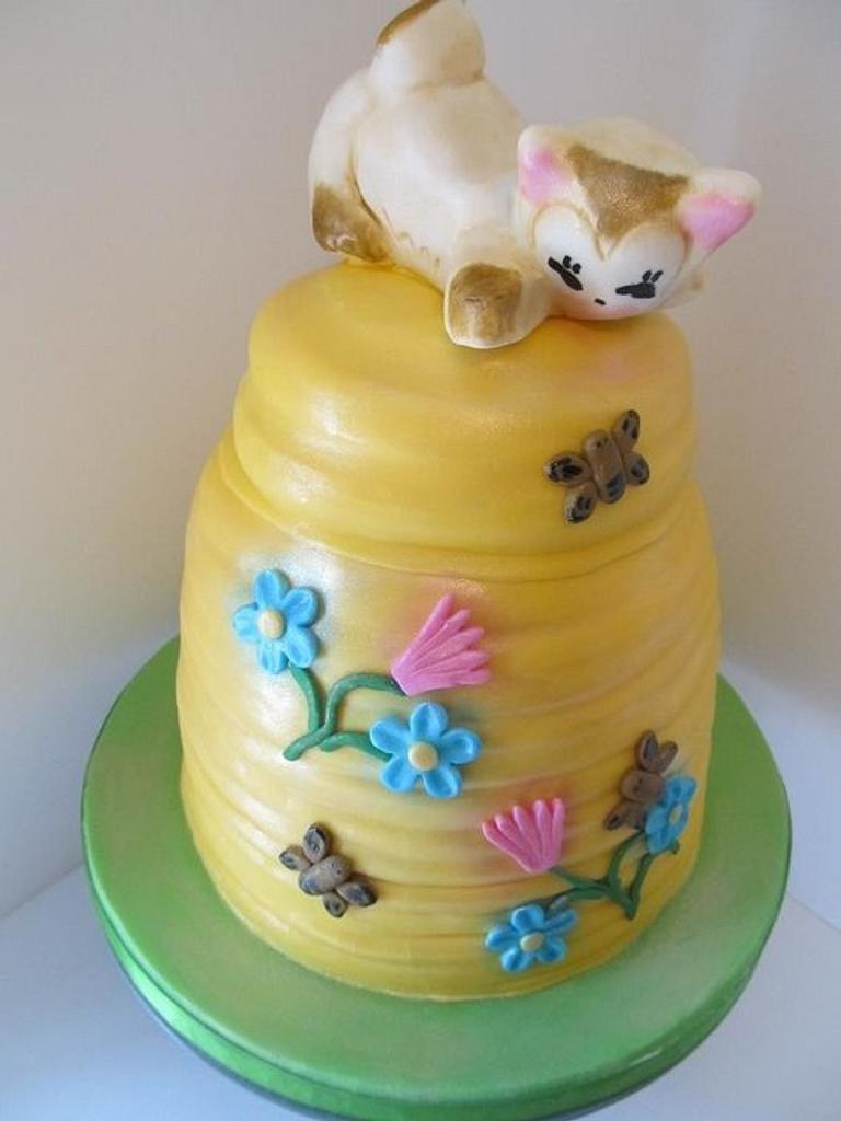 Cat & Beehive Cookie jar cake by Denise Frenette
