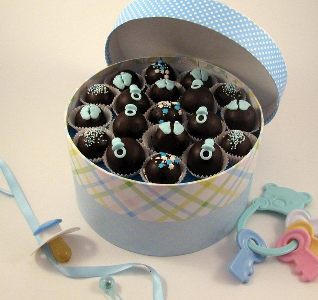 Cake Bites Gift Box by Cheryl