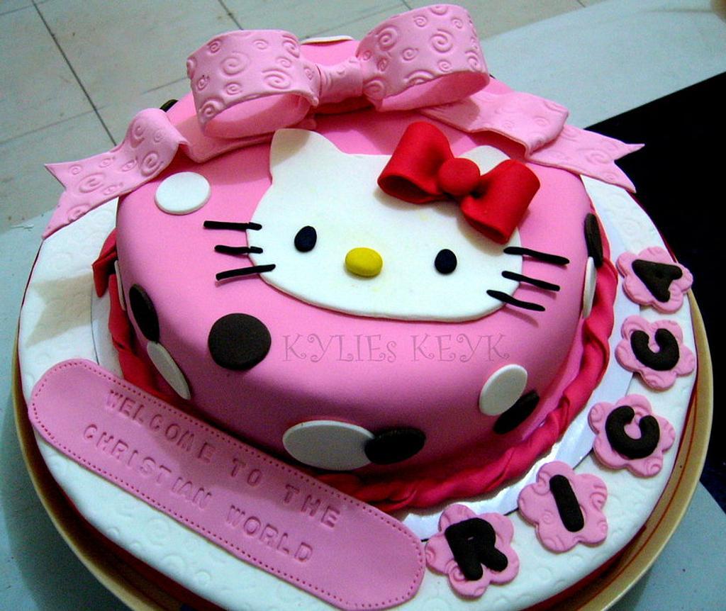 HELLO KITTY CAKE by kylieskeyk