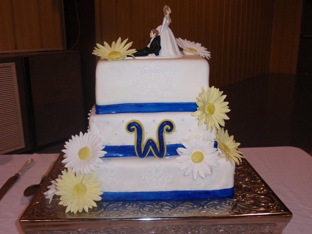 Daisy Wedding Cake by Dayna Robidoux