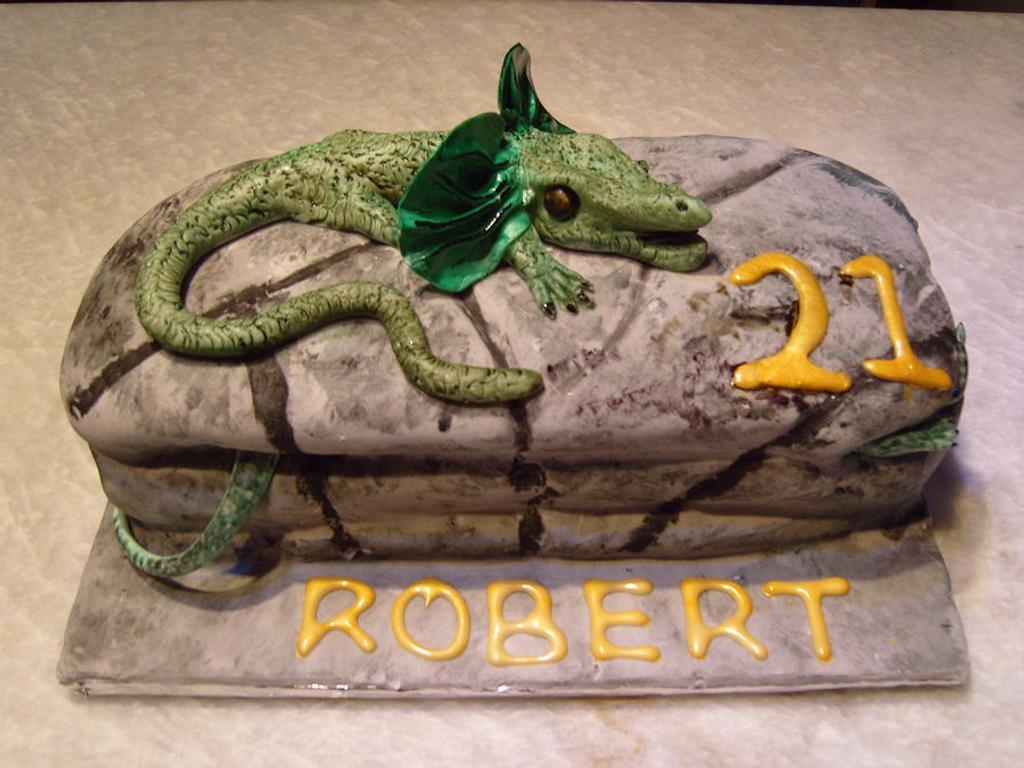 Lizard cake by Niknoknoos Cakery