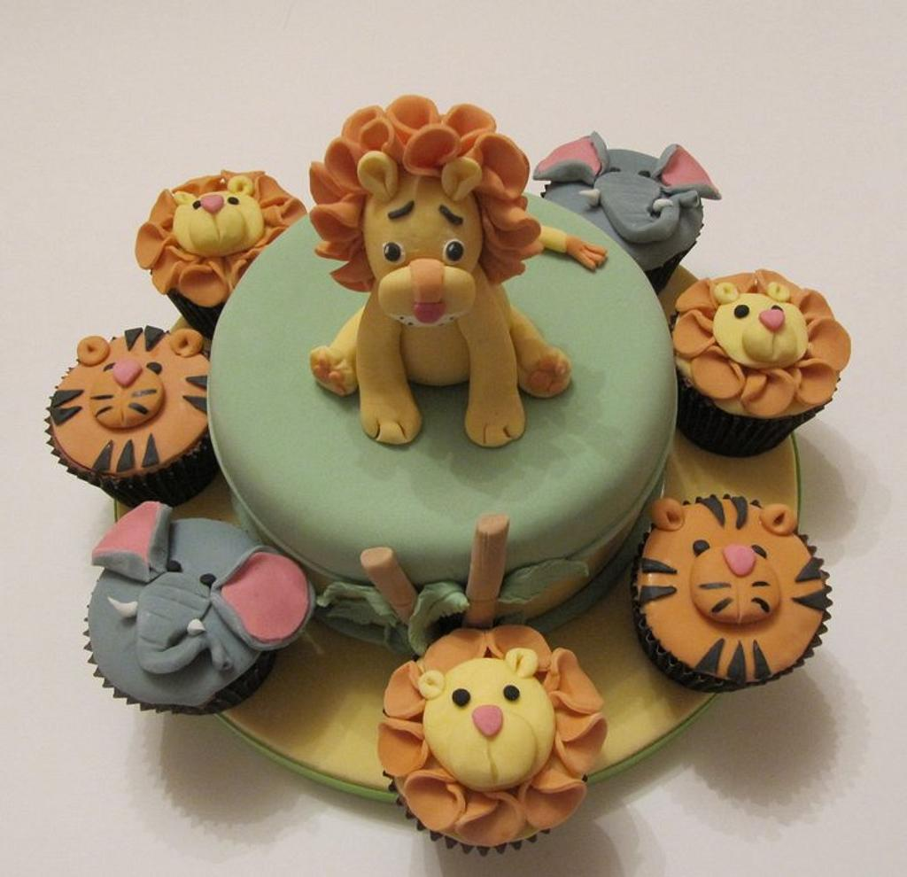 Lion and friends by Cake Cucina