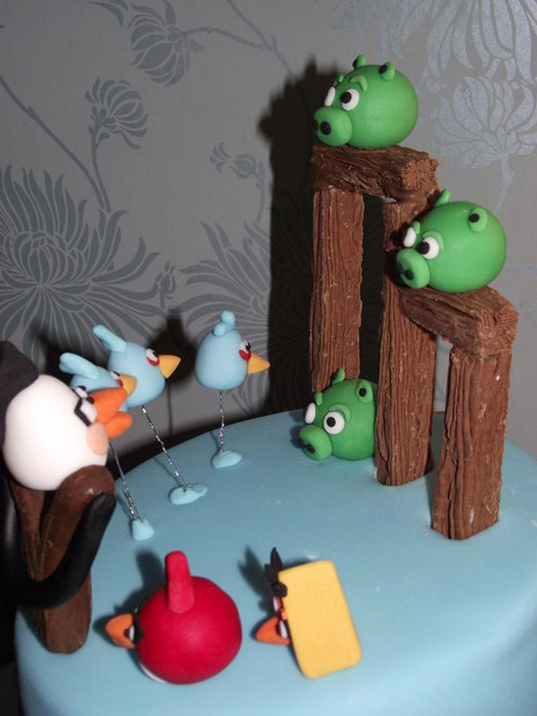 Angry birds cake by suzanneflynn