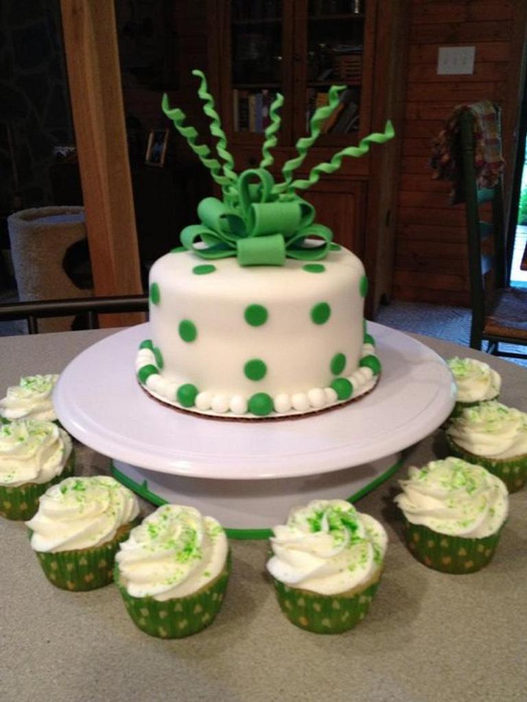 MU Graduation Cake and Cupcakes by Tonya