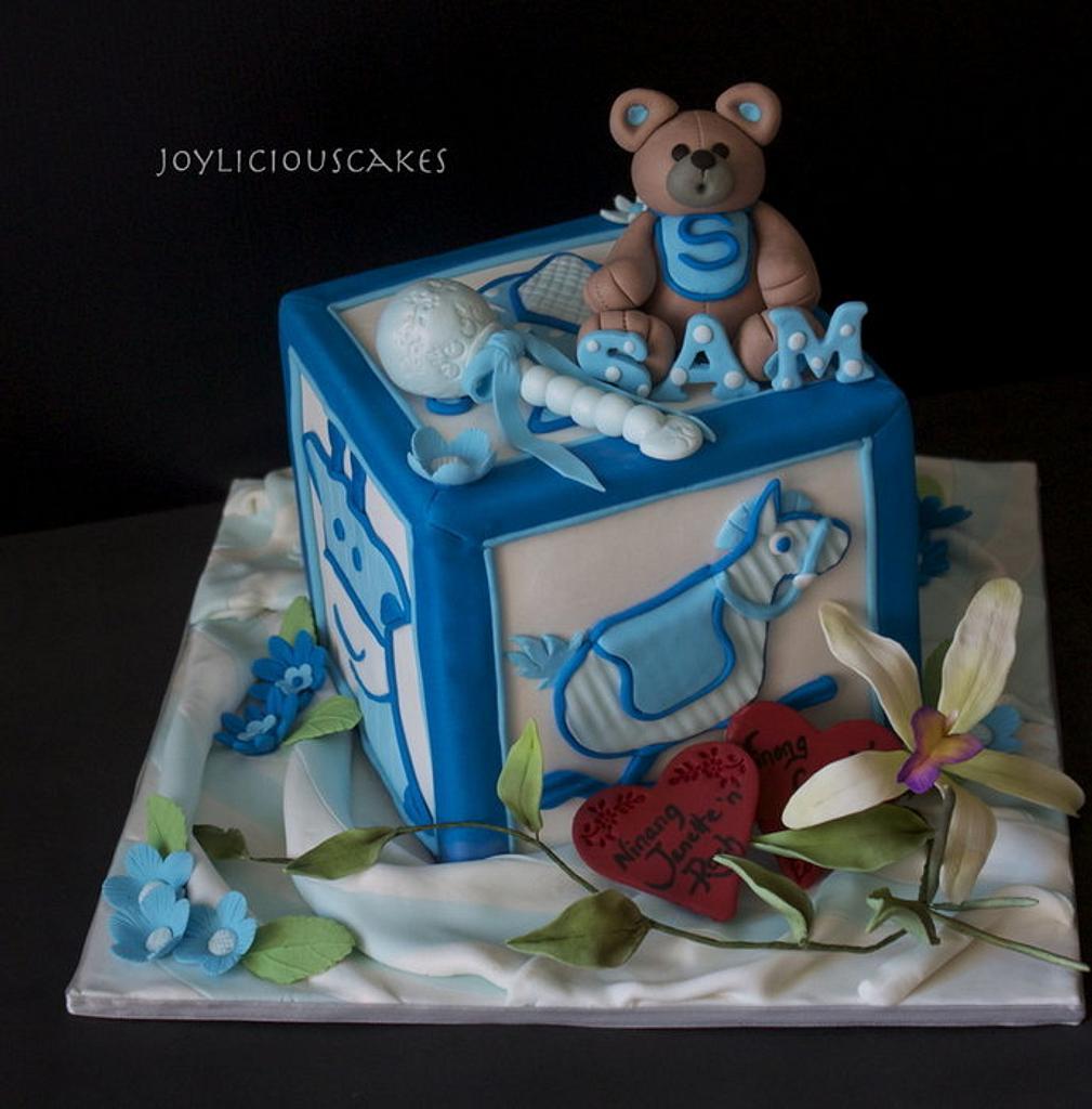 Cuddly Cube by Joyliciouscakes