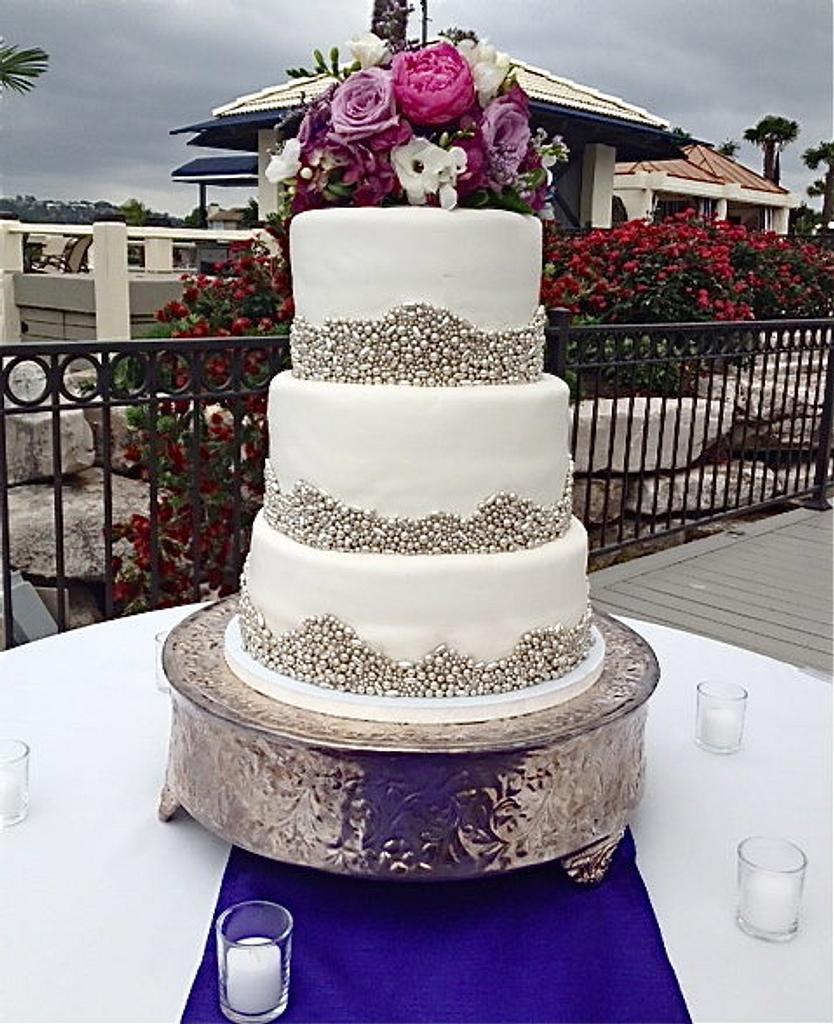 Silver dragee Wedding Cake by manda