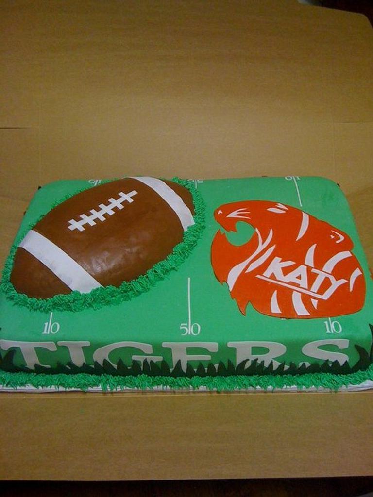 KATY TIGERS CAKE by sugarmommas