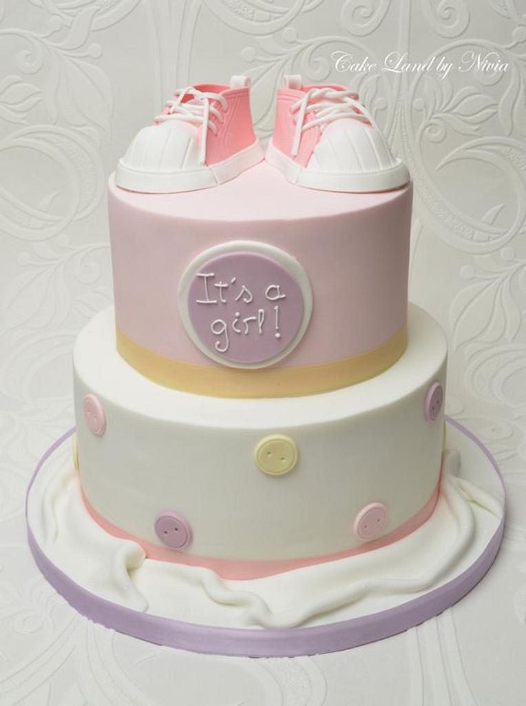 Baby shower cake by Nivia
