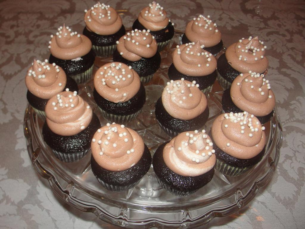 Cupcakes by Cakes and Beyond by Naheed