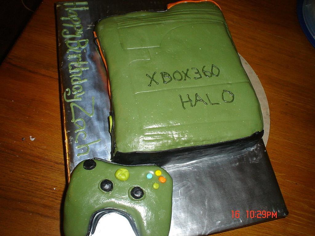 Xbox Halo cake by Dana