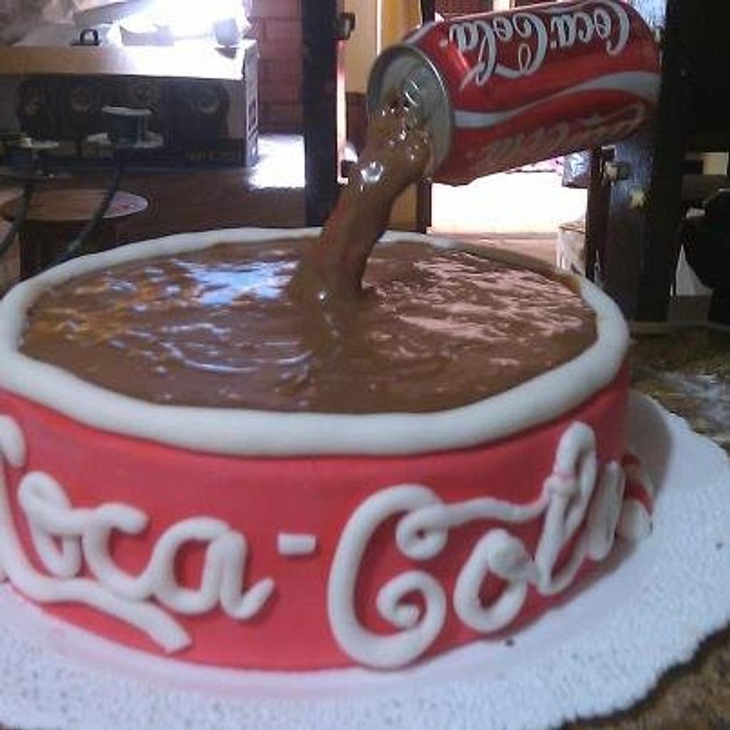 cake the Coca Cola by esther montero