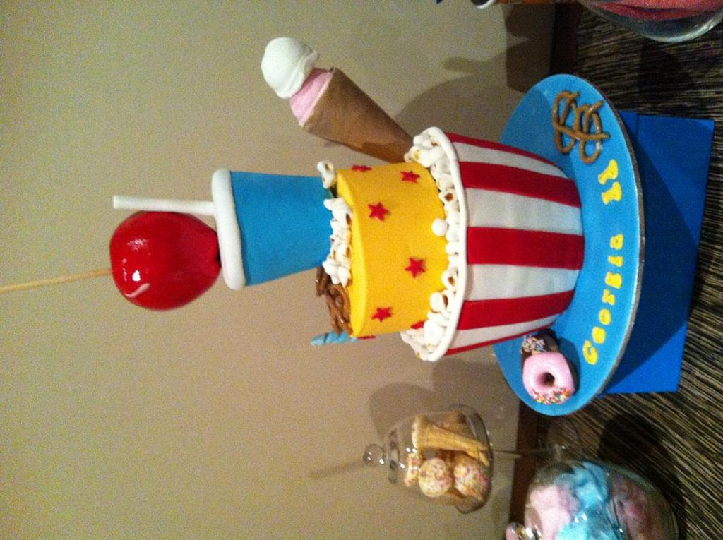 Movie themed cake and cupcakes by Dell Khalil