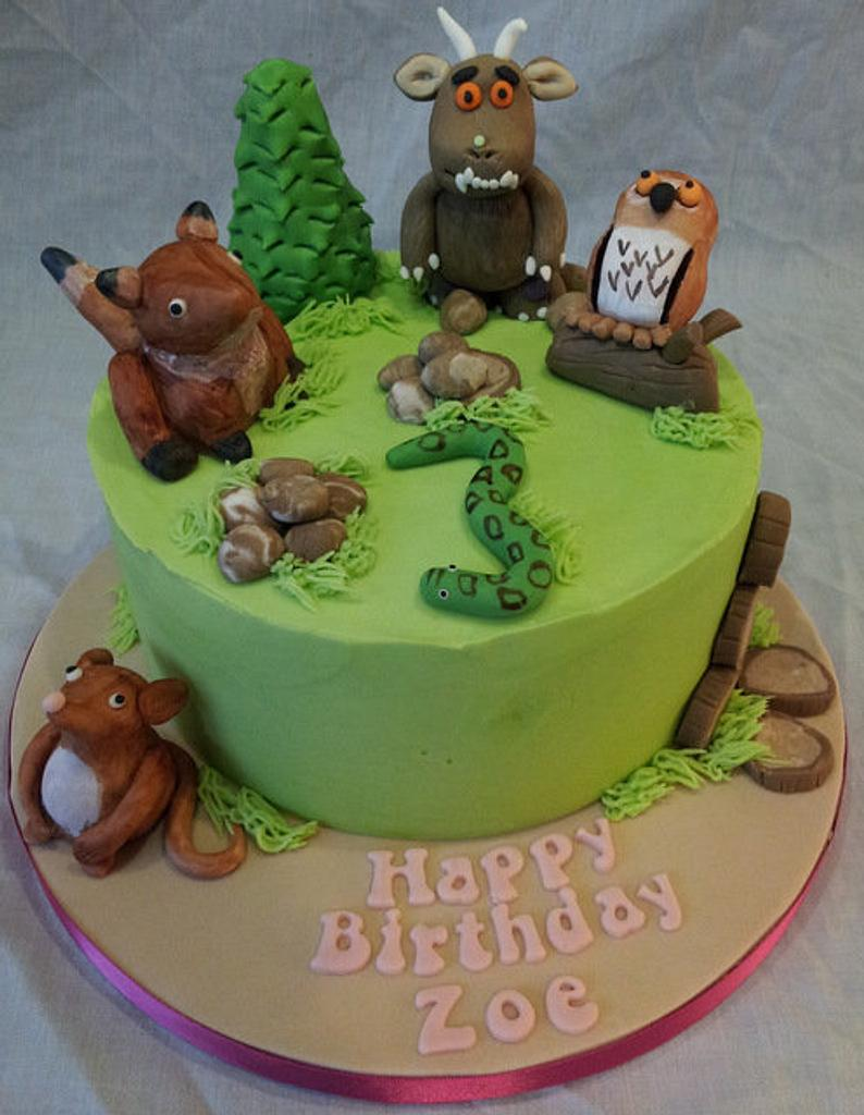 Watch out, here comes a Gruffalo by amomentofcakeness