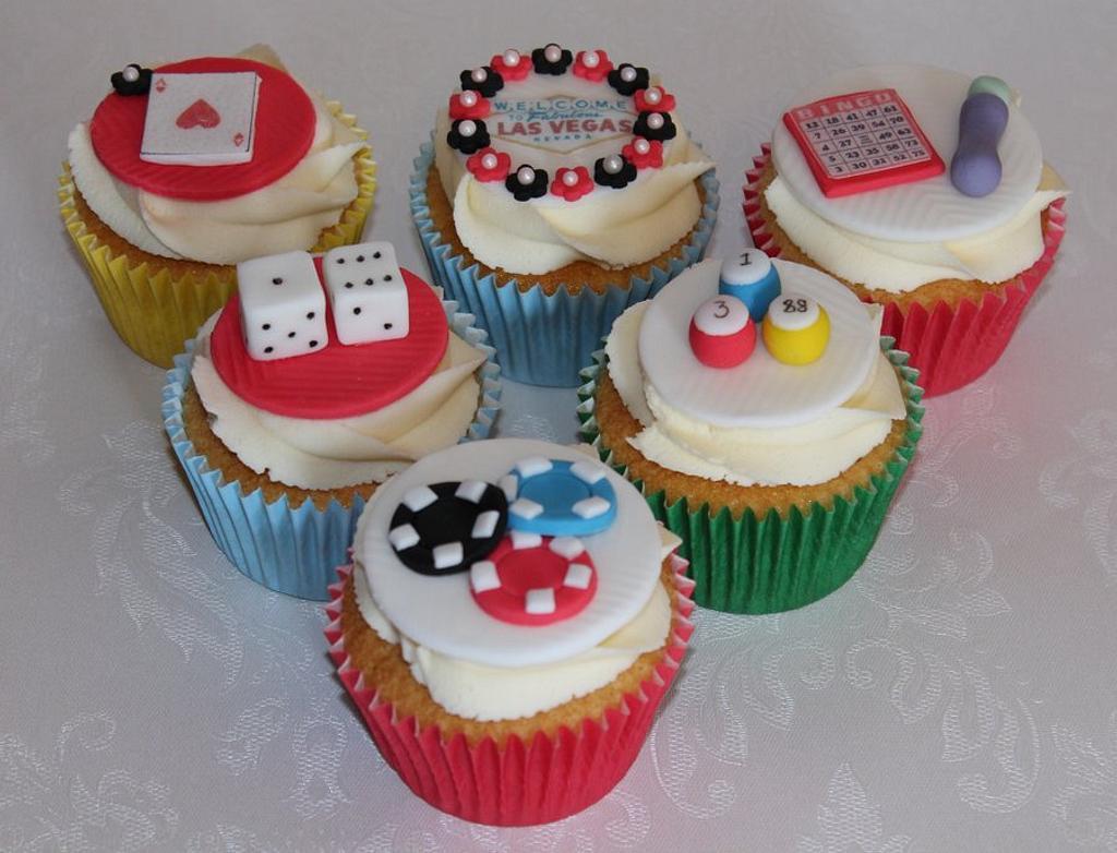 Casino/bingo cupcakes by ClarasYummyCupcakes