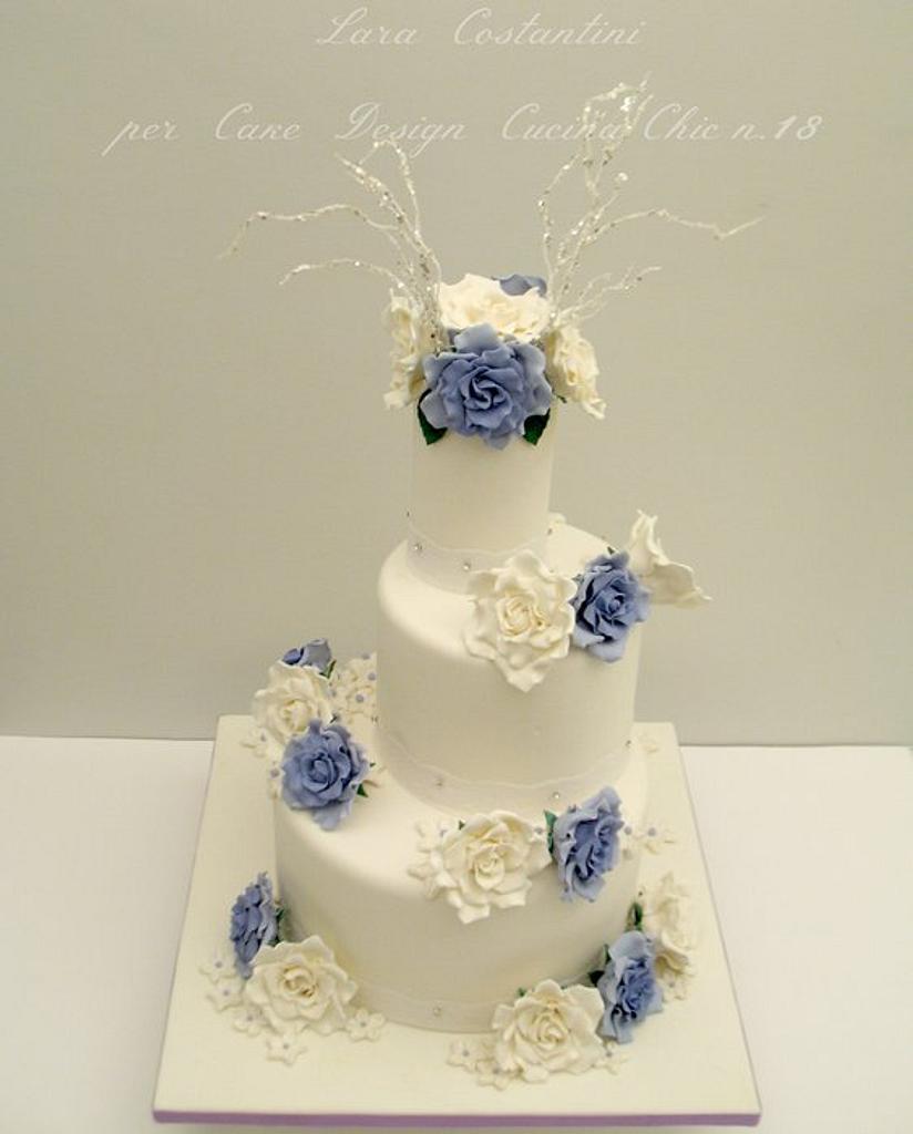 WEDDING CAKE - LILIAC AND WHITE by Lara Costantini