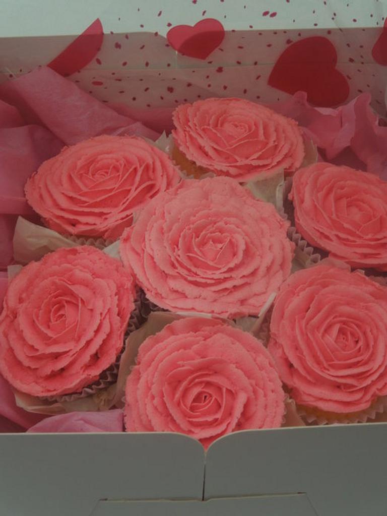 cupcake bouquet by Crescentcakes