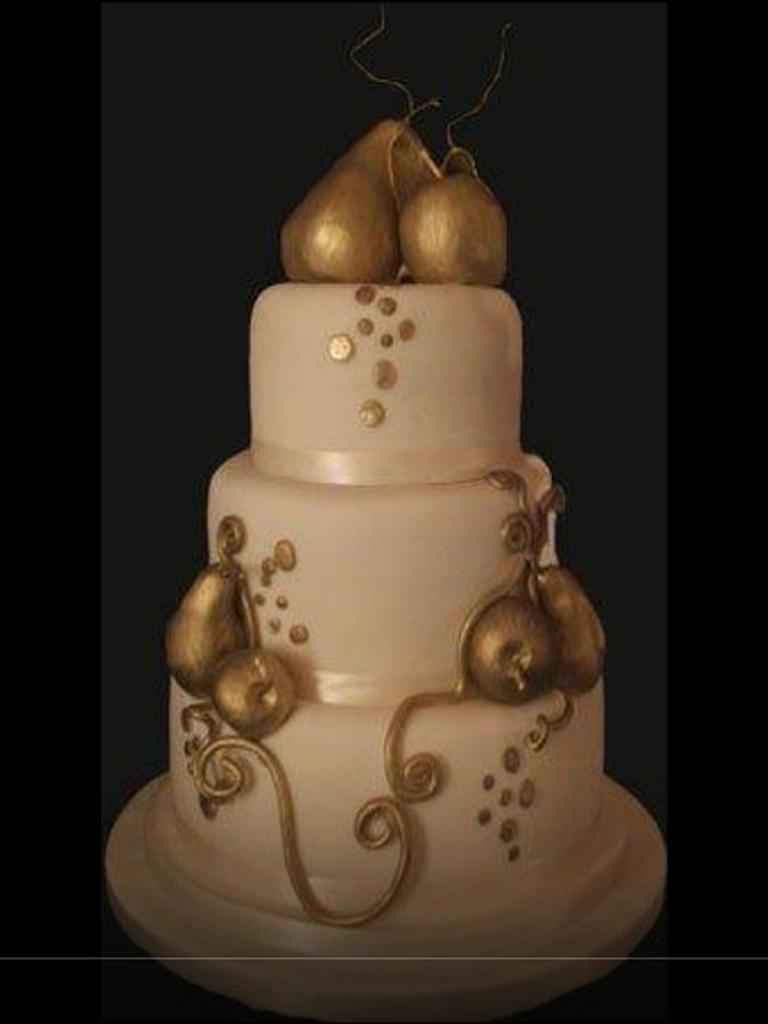 Golden pears, wedding cake by Alisonarty