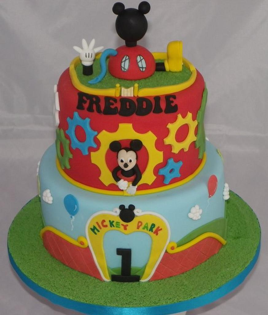Mickey Clubhouse Cake by Kazmick