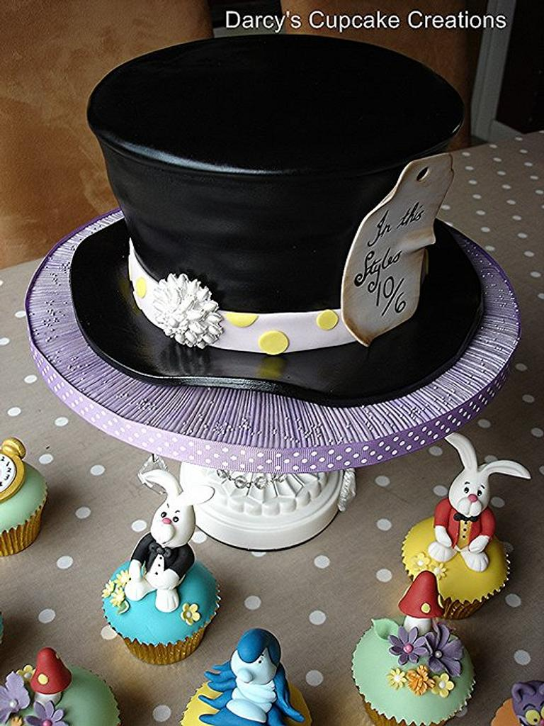 Alice In Wonderland by DarcysCupcakes
