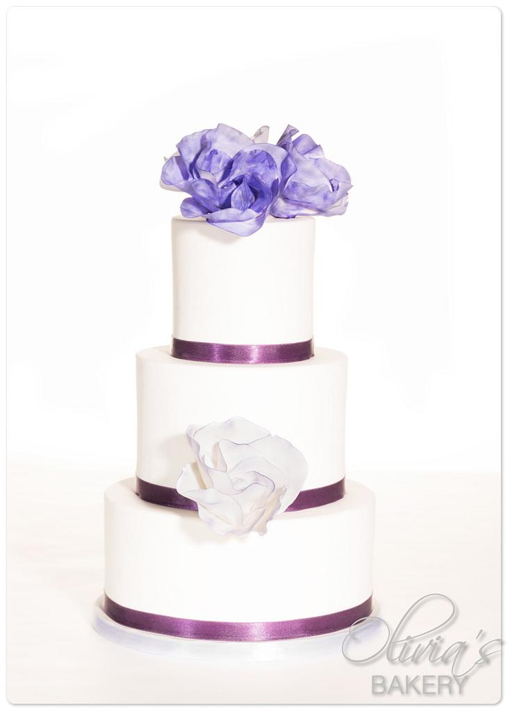 """""""Classic Rose"""" design in purple by Olivia's Bakery"""