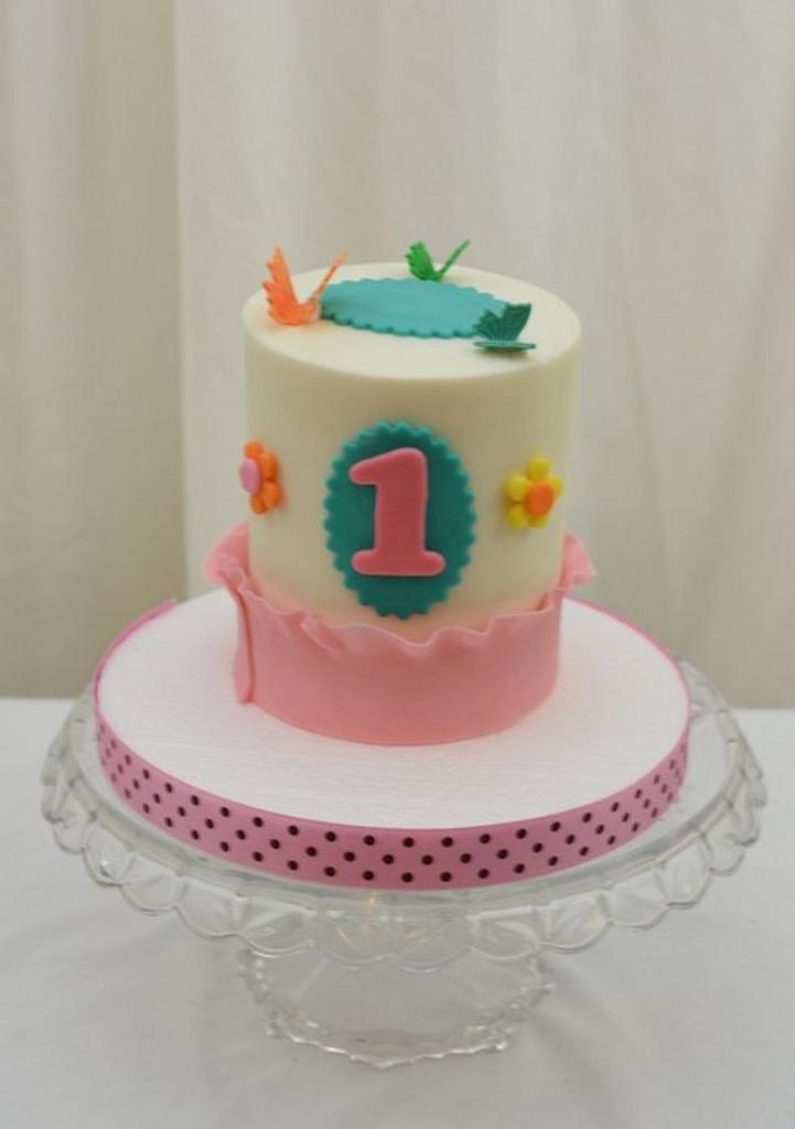 Little Butterfly Smash Cake by Sugarpixy