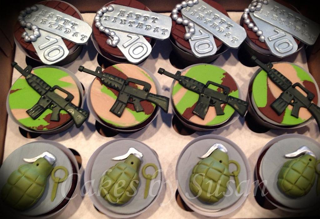 Call of Duty cupcakes by Skmaestas