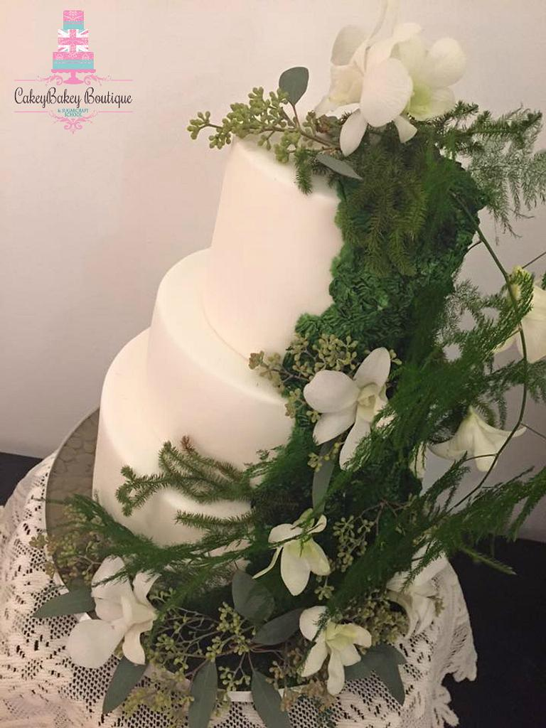 Display Moss Wedding Cake by CakeyBakey Boutique