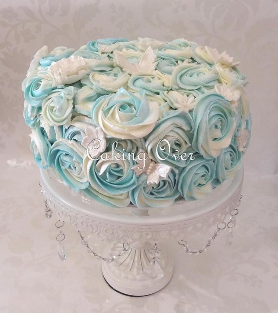Blue and white buttercream roses by Amanda Brunott