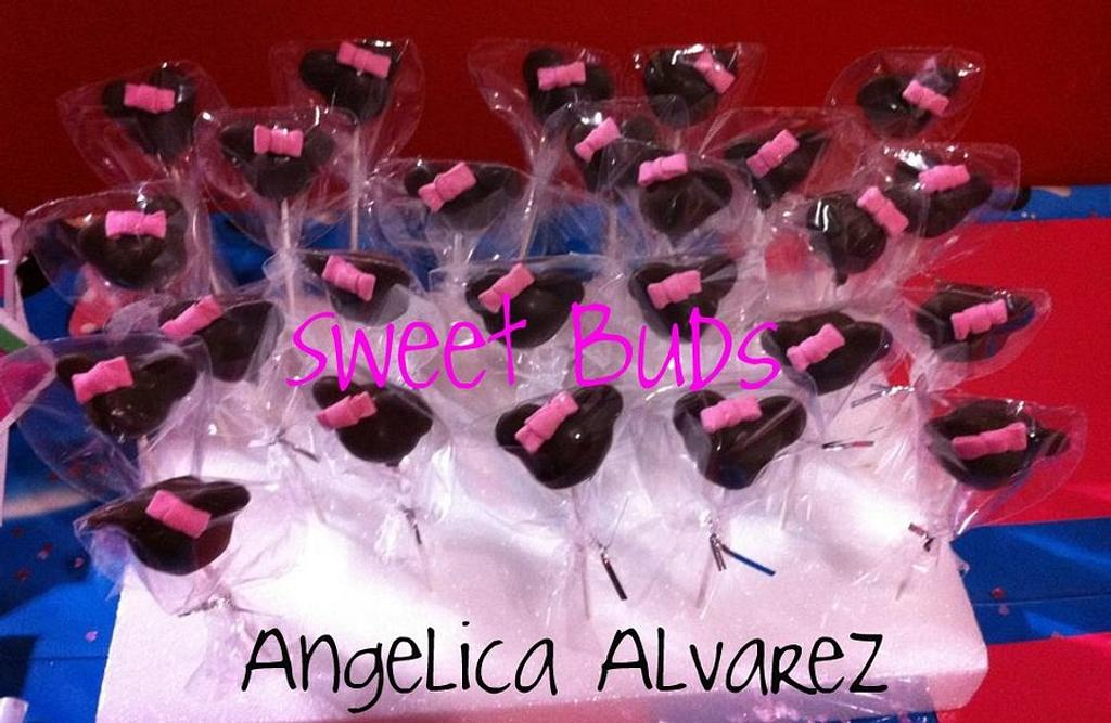 Minnie Mouse Cake Pops by Angelica