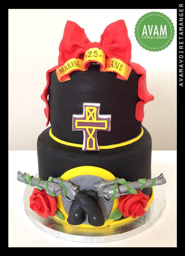 gun's and roses cake by Lisa Abauzit