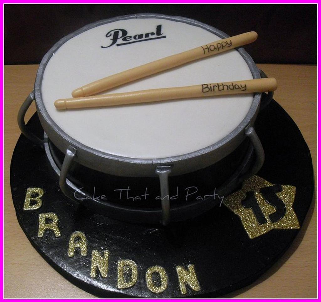 pearl drum cake  by yvonne