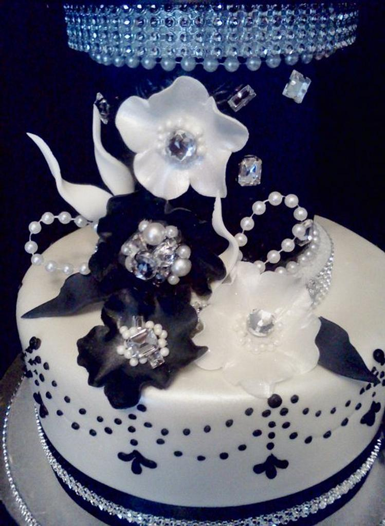 Black and white glamour by HottCakez of Las Vegas