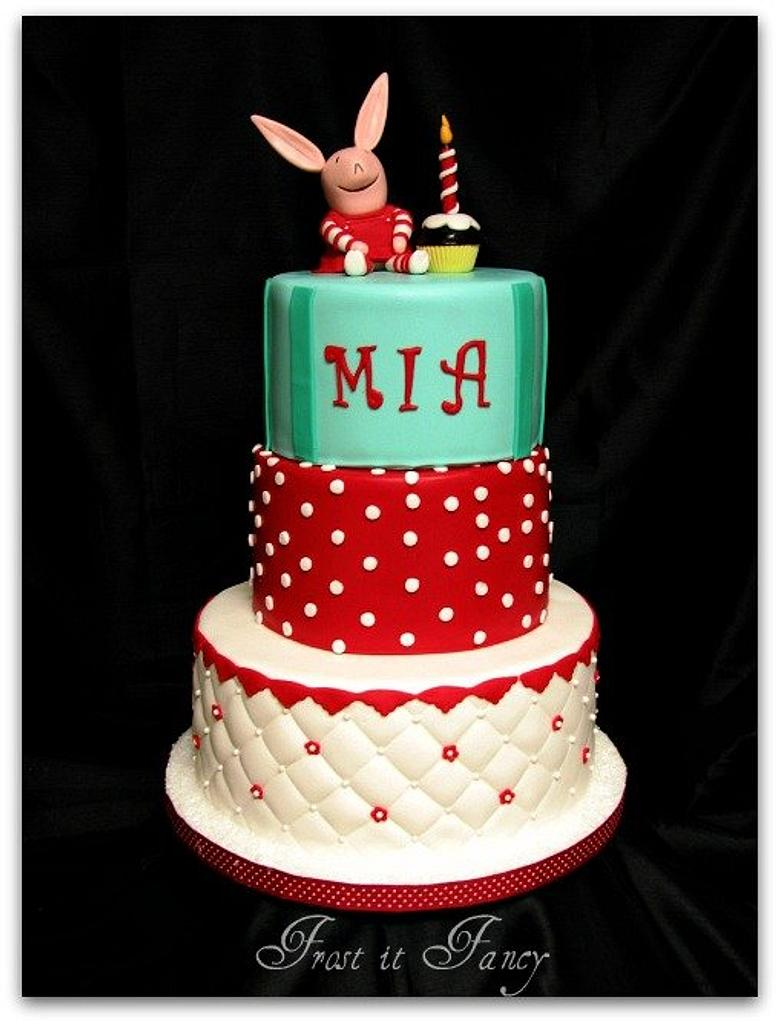 Olivia th Pig by Frost it Fancy Cakes