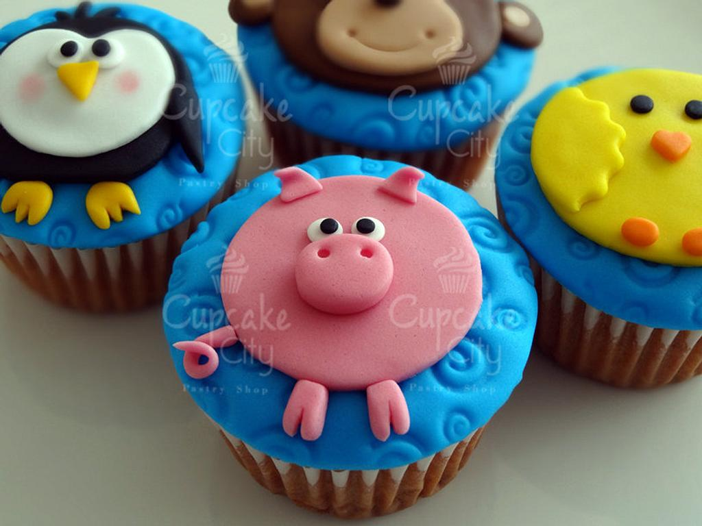 Cute animals cupcakes by CupcakeCity