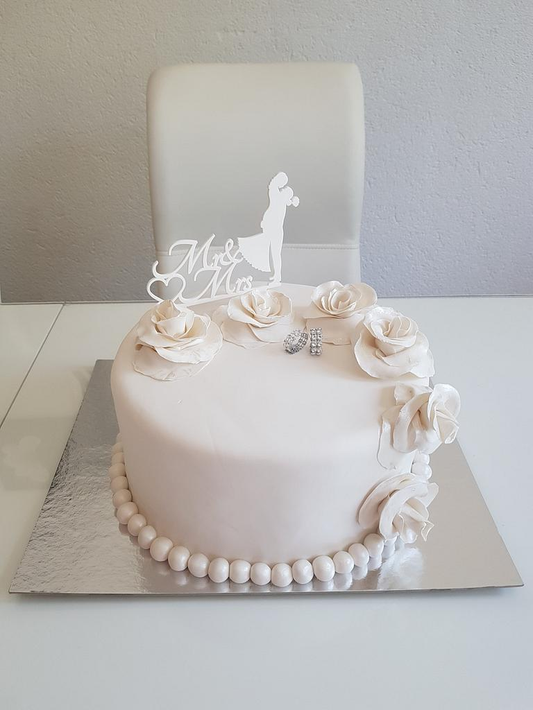 Hochzeit torte   by Azra Cakes