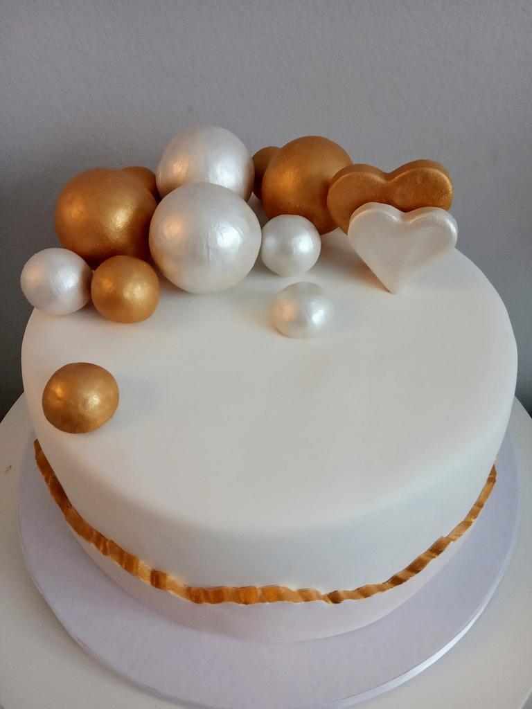 Elegant fault line birthday cake by LanaLand
