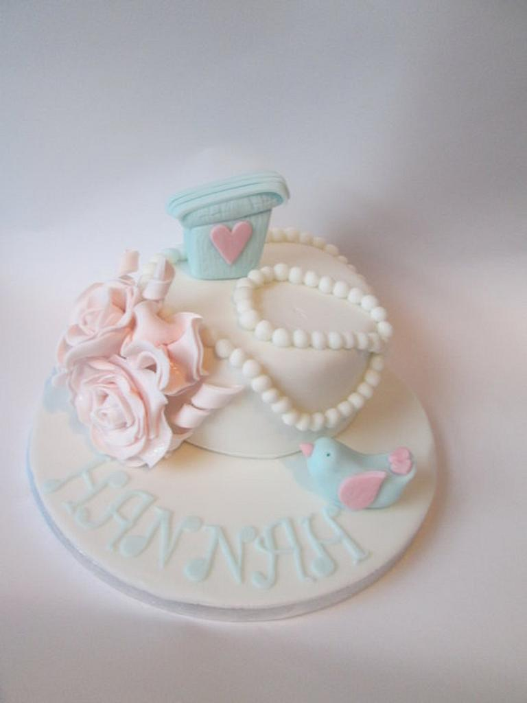 Birdy, Roses and Pearls cake by kelly