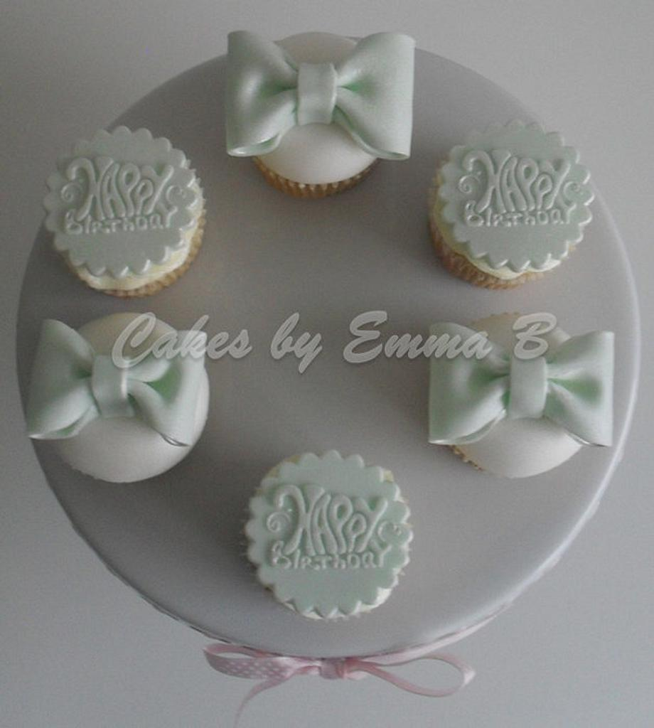 Simple Birthday and Bows Cupcakes by CakesByEmmaB