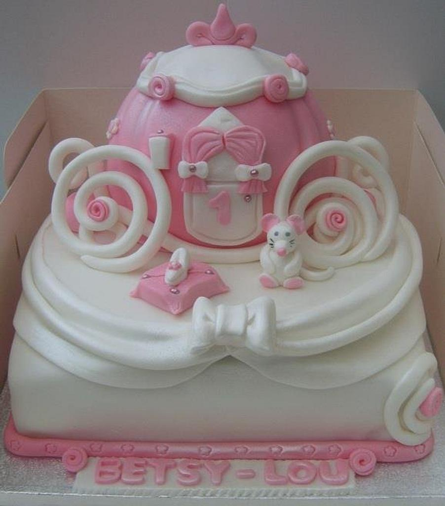 Cinderella Carriage cake by sarah