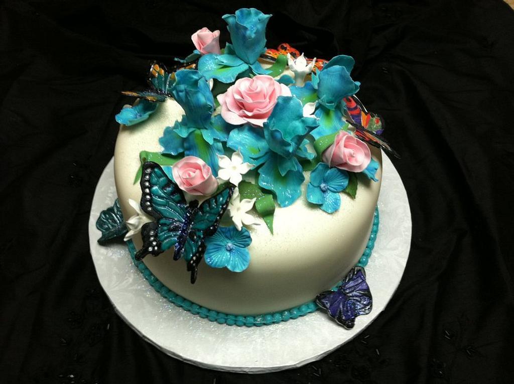 Birthday cake by Tetyana