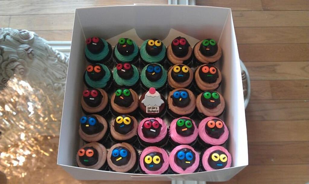 mini cake pop cupcakes by SaSaBakery