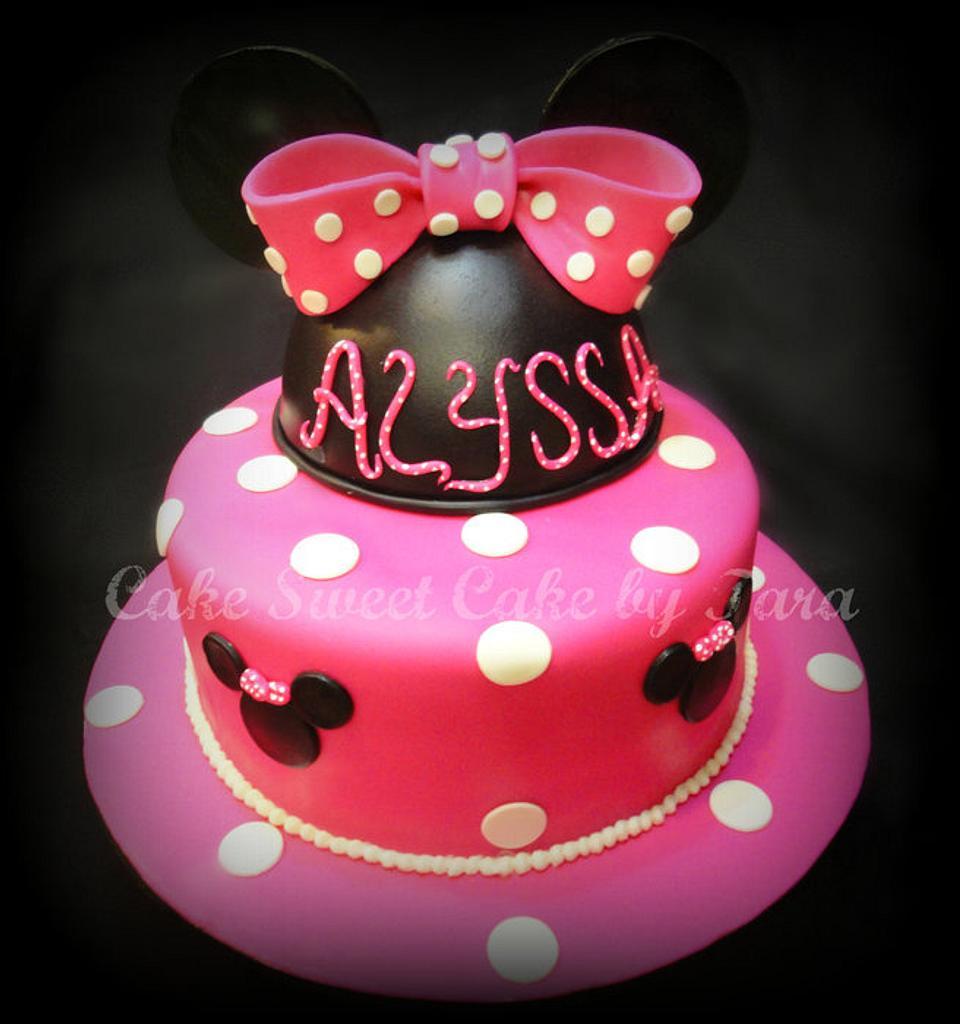 Minnie mouse cake by Cake Sweet Cake By Tara