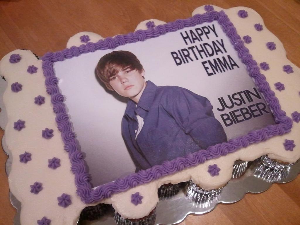 Justin Bieber Cupcake Cake by Elena Z
